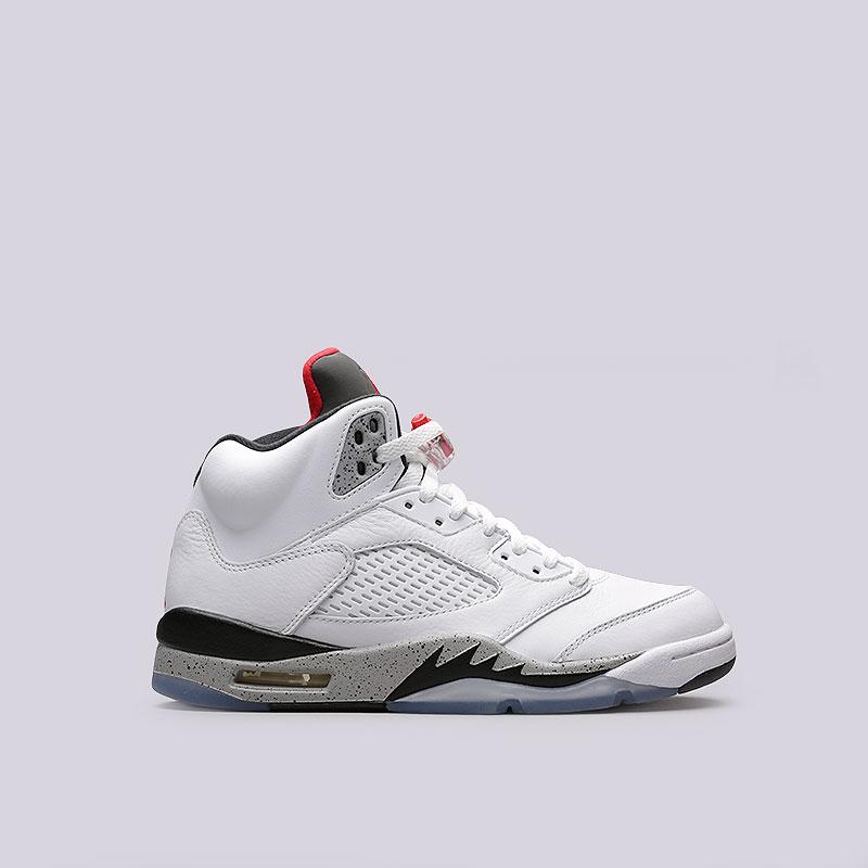 Кроссовки Jordan V RetroКроссовки lifestyle<br>Кожа, пластик, текстиль, резина<br><br>Цвет: Белый<br>Размеры US: 8;8.5<br>Пол: Мужской