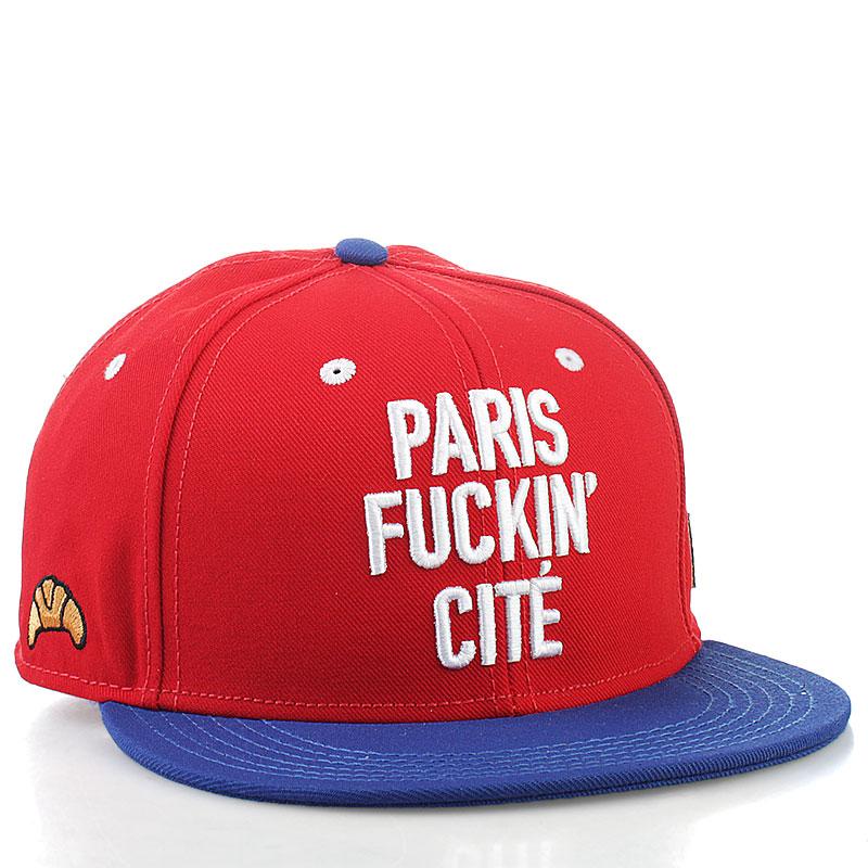 Кепка C&amp;S Paris CiteКепки<br>100% полиэстер<br><br>Цвет: красный<br>Размеры : 1SIZE<br>Пол: Мужской