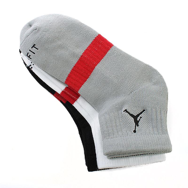 Носки Jordan Dri Fit 3 пары в упаковкеНоски<br><br><br>Цвет: серый, белый, черный<br>Размеры US: M;L<br>Пол: Мужской