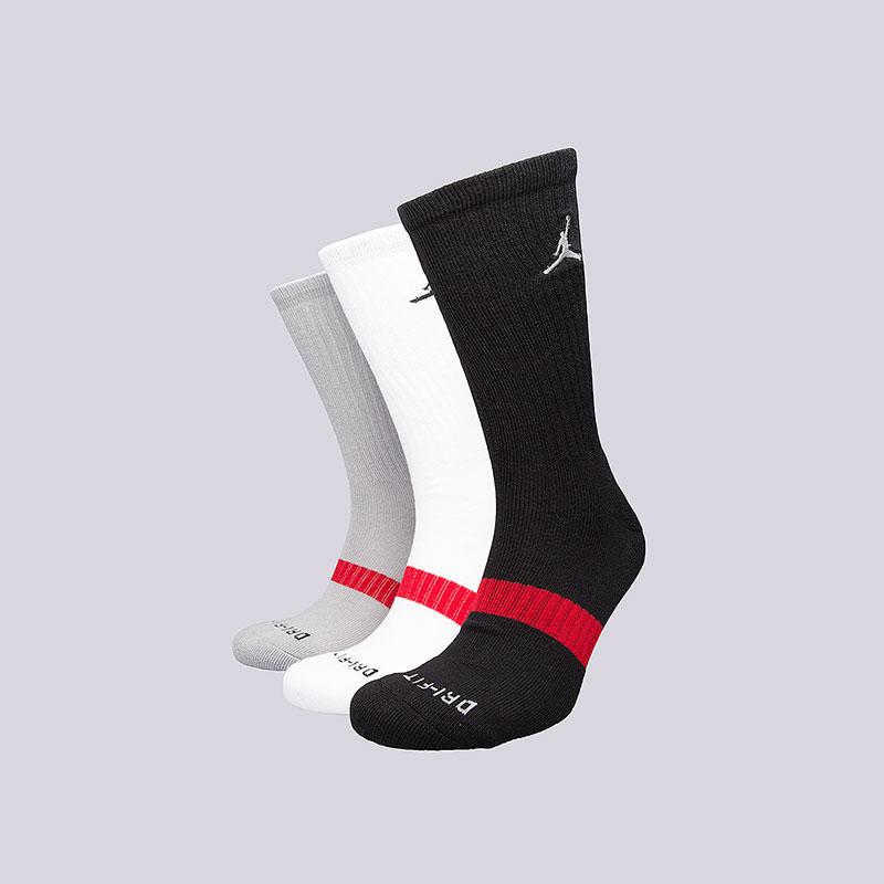 Носки Air Jordan Dri-Fit CREW (3 пары)Носки<br>73% полиэстер, 24% эластан, 3% нейлон<br><br>Цвет: Черный, серый, белый<br>Размеры US: M;L;XL<br>Пол: Мужской