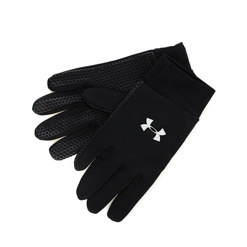 Перчатки UA Armourtech Glove BlackПерчатки<br><br><br>Цвет: Черный, серый<br>Размеры : M<br>Пол: Мужской
