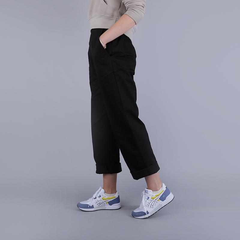 Брюки Stussy Standart TrouserБрюки и джинсы<br>100% хлопок<br><br>Цвет: Черный<br>Размеры US: XS;M;L<br>Пол: Женский