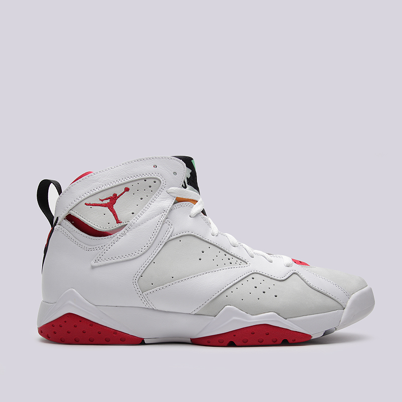 Кроссовки Air Jordan VII Retro HareКроссовки lifestyle<br>Кожа, текстиль, синтетика<br><br>Цвет: Белый, серый, красный<br>Размеры US: 12;13.5<br>Пол: Мужской
