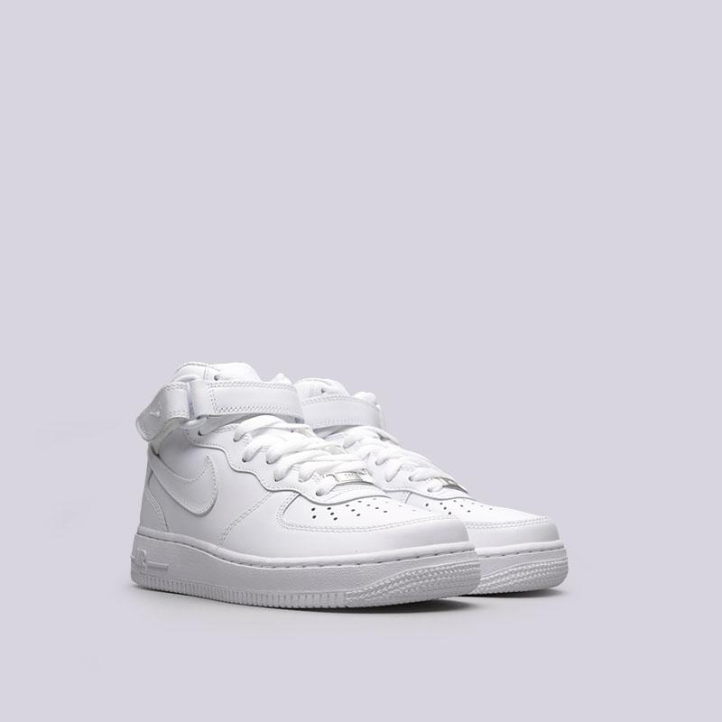 Купить женские белые  кроссовки nike wmns air force 1 mid `07 le в магазинах Streetball изображение - 4 картинки