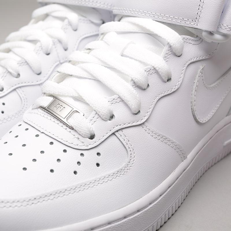 Купить женские белые  кроссовки nike wmns air force 1 mid `07 le в магазинах Streetball изображение - 7 картинки