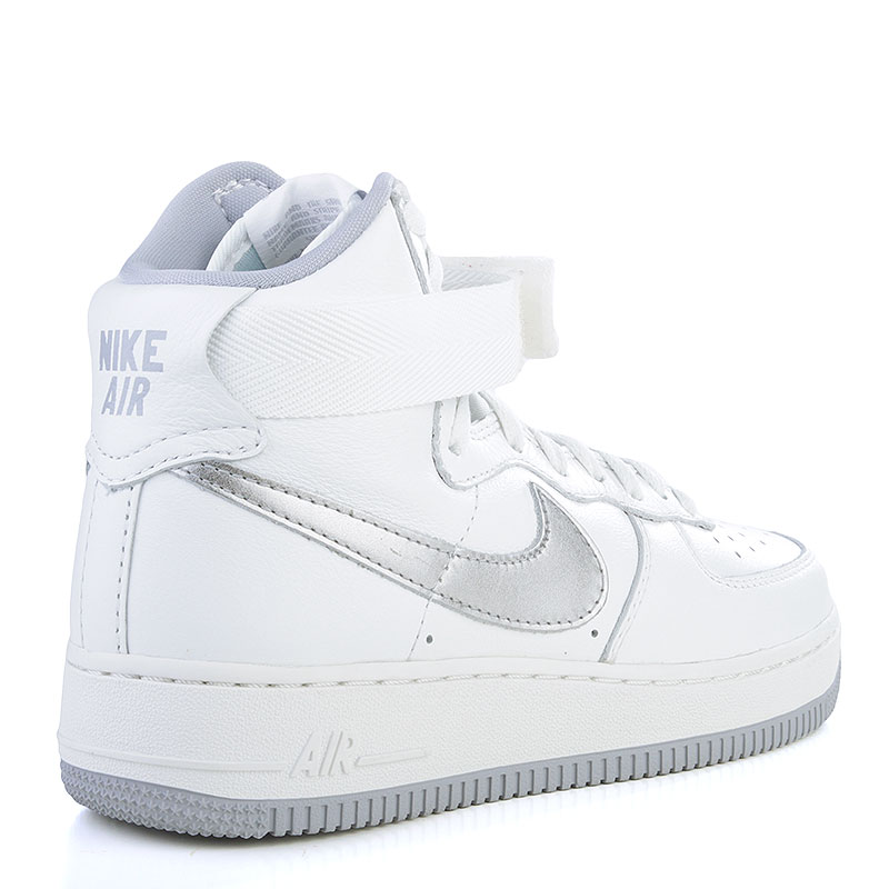 Купить мужские белые, серые  кроссовки nike air force 1 hi retro qs в магазинах Streetball изображение - 2 картинки