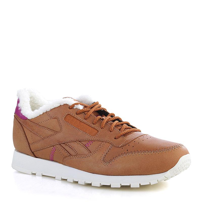Кроссовки Reebok CL Leather APКроссовки lifestyle<br>Кожа, текстиль, резина<br><br>Цвет: Коричневый, белый, малиновый<br>Размеры US: 8;8.5;9;9.5;10;10.5;11;11.5;12;14