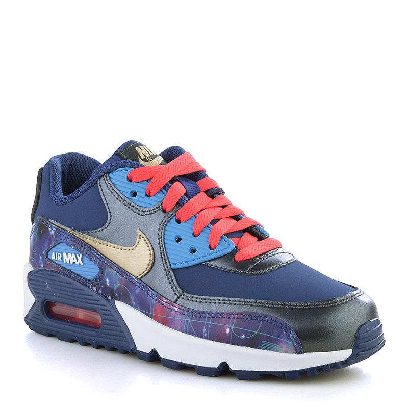 Кроссовки Nike Air Max 90 PRM Leather GSКроссовки lifestyle<br>Кожа, текстиль, резина<br><br>Цвет: Синий, голубой, чёрный, белый, золотой<br>Размеры US: 6.5Y<br>Пол: Детский