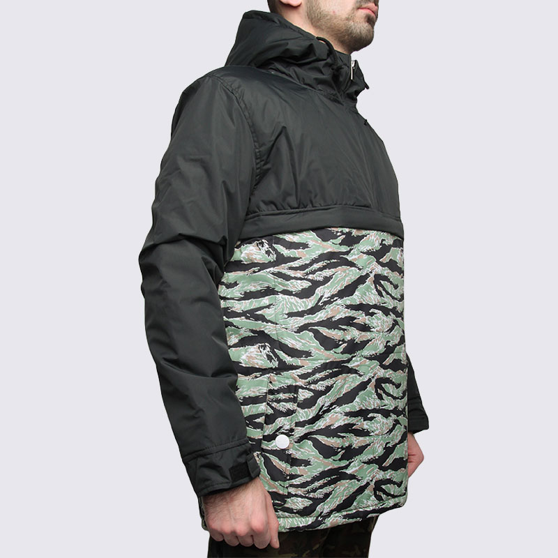 Купить мужскую зеленую  куртку true spin анорак fishtail blk/camo в магазинах Streetball изображение - 4 картинки