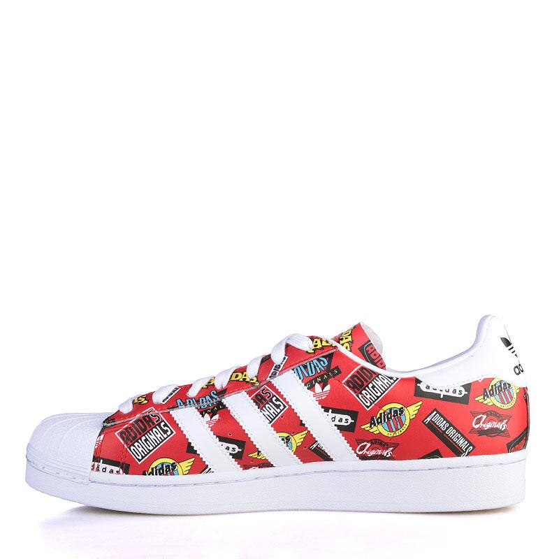 Купить мужские красные, белые  кроссовки adidas superstar nigo aop в магазинах Streetball изображение - 3 картинки