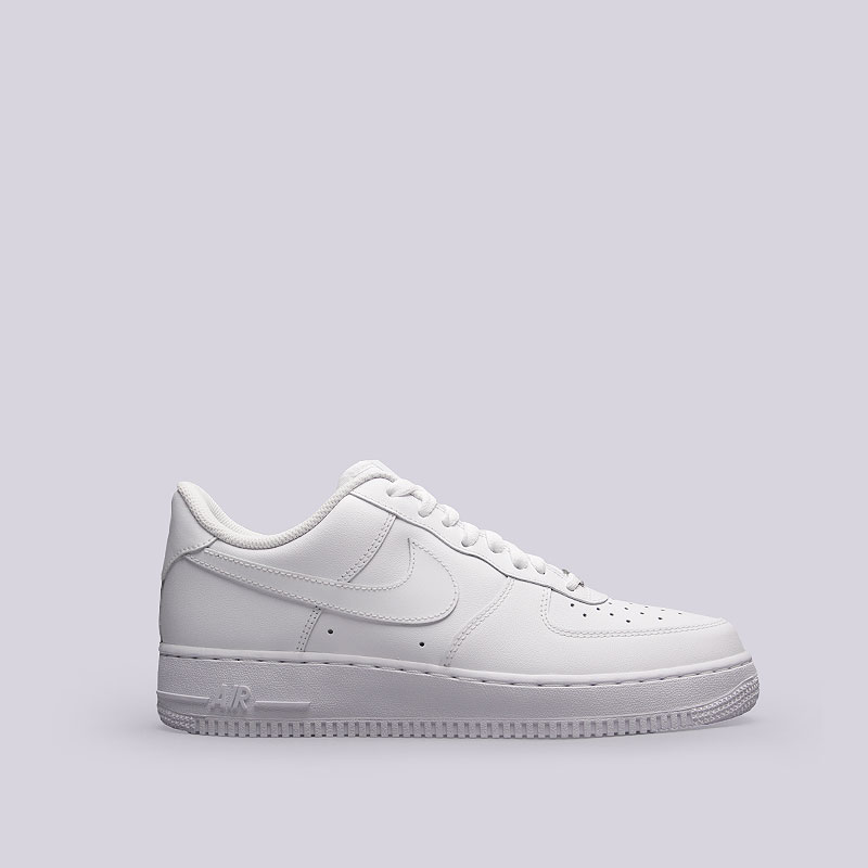 Кроссовки Nike Air Force 1 `07Кроссовки lifestyle<br>Кожа, текстиль, резина<br><br>Цвет: Белый<br>Размеры US: 8.5;9;10;10.5;11;11.5;12;12.5;18<br>Пол: Мужской