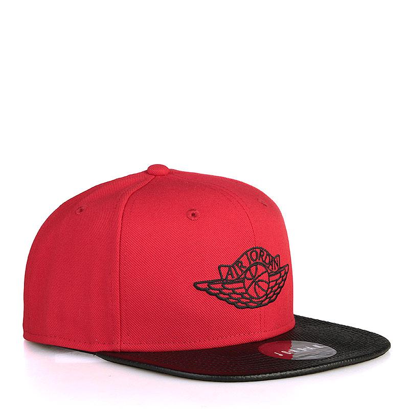 Кепка Jordan Jordan 2 SnapbackКепки<br>Полиэстер, хлопок, кожа<br><br>Цвет: Красный, чёрный<br>Размеры US: OS