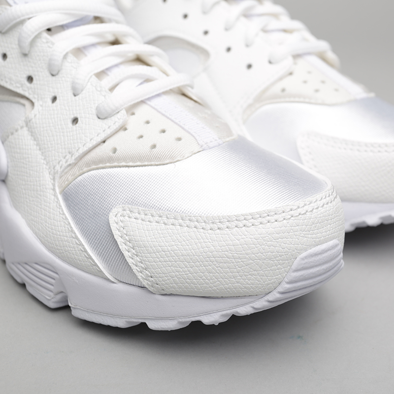 женские белые  кроссовки nike wmns air huarache run 634835-108 - цена, описание, фото 5