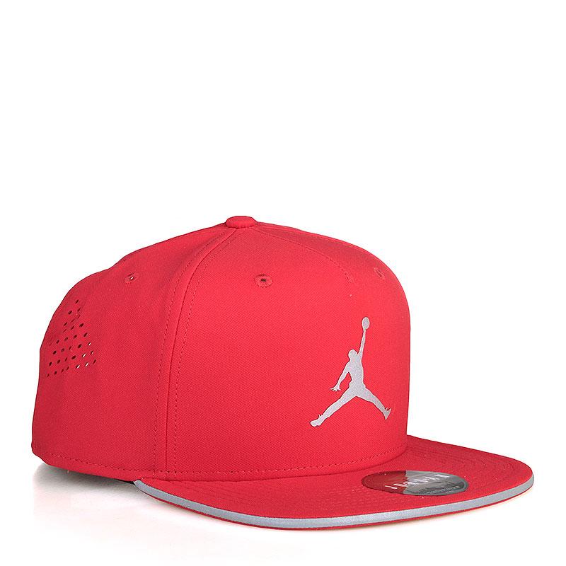 Кепка  Jordan Air Jordan JumpmanКепки<br>Полиэстер, хлопок<br><br>Цвет: Красный<br>Размеры US: OS<br>Пол: Мужской