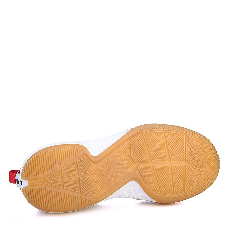 Купить мужские серые, белые, красные, чёрные, коричневые  кроссовки adidas d lillard 2 в магазинах Streetball изображение - 4 картинки