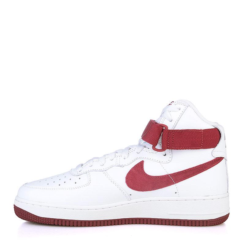 Купить мужские белые, бордовые  кроссовки nike air force 1 hi retro qs в магазинах Streetball изображение - 3 картинки