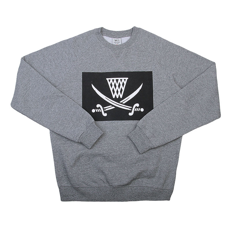 Толстовка K1X Pirat crewneckТолстовки свитера<br>80% хлопок, 20% полиэстер<br><br>Цвет: Серый<br>Размеры US: L<br>Пол: Мужской