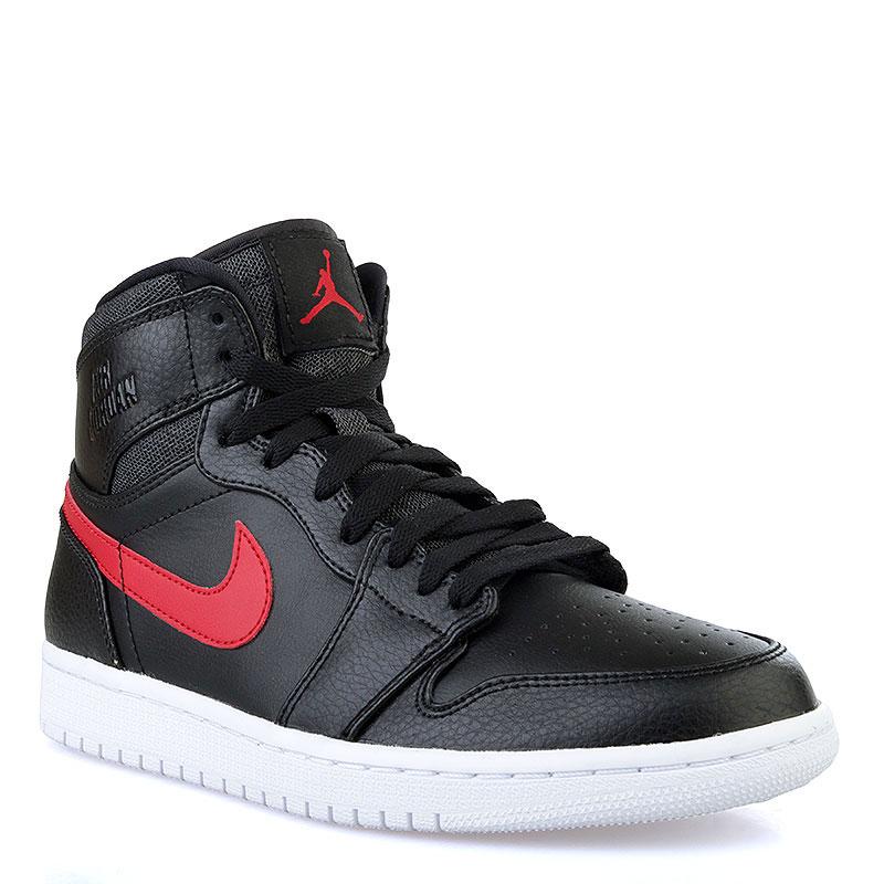 Кроссовки Air Jordan 1 Retro HighКроссовки lifestyle<br>Кожа, текстиль, резина<br><br>Цвет: Чёрный, красный, белый<br>Размеры US: 15