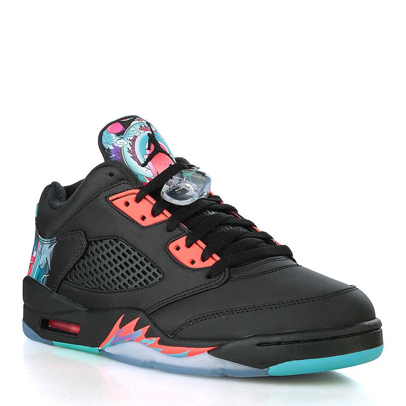 Кроссовки Air Jordan V Retro Low CityКроссовки lifestyle<br>Кожа, текстиль, резина<br><br>Цвет: Чёрный, краловый, голубой<br>Размеры US: 10;12<br>Пол: Мужской