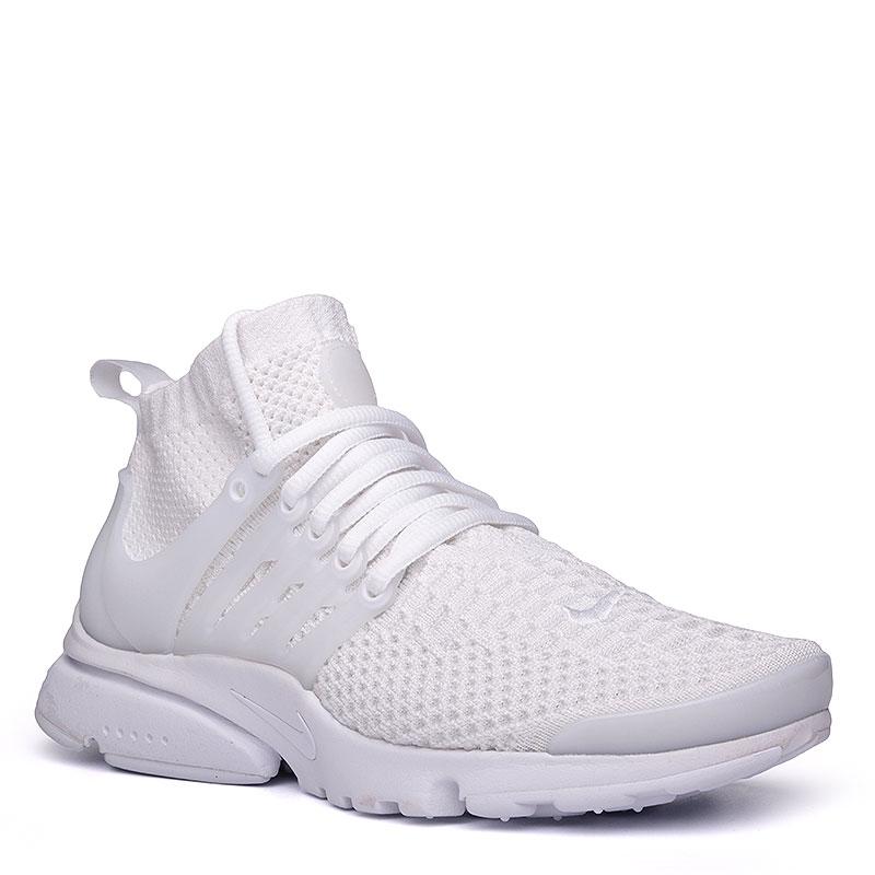 Кроссовки Nike Sportswear WMNS Air Presto Flyknit UltraКроссовки lifestyle<br>Текстиль, пластик, резина<br><br>Цвет: Белый<br>Размеры US: 6;7;7.5<br>Пол: Женский
