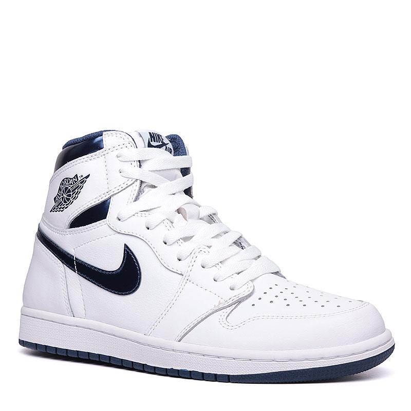 Кроссовки Air Jordan 1 Retro High OGКроссовки lifestyle<br>Кожа, синтетика, текстиль, резина<br><br>Цвет: Синий, белый<br>Размеры US: 10<br>Пол: Мужской