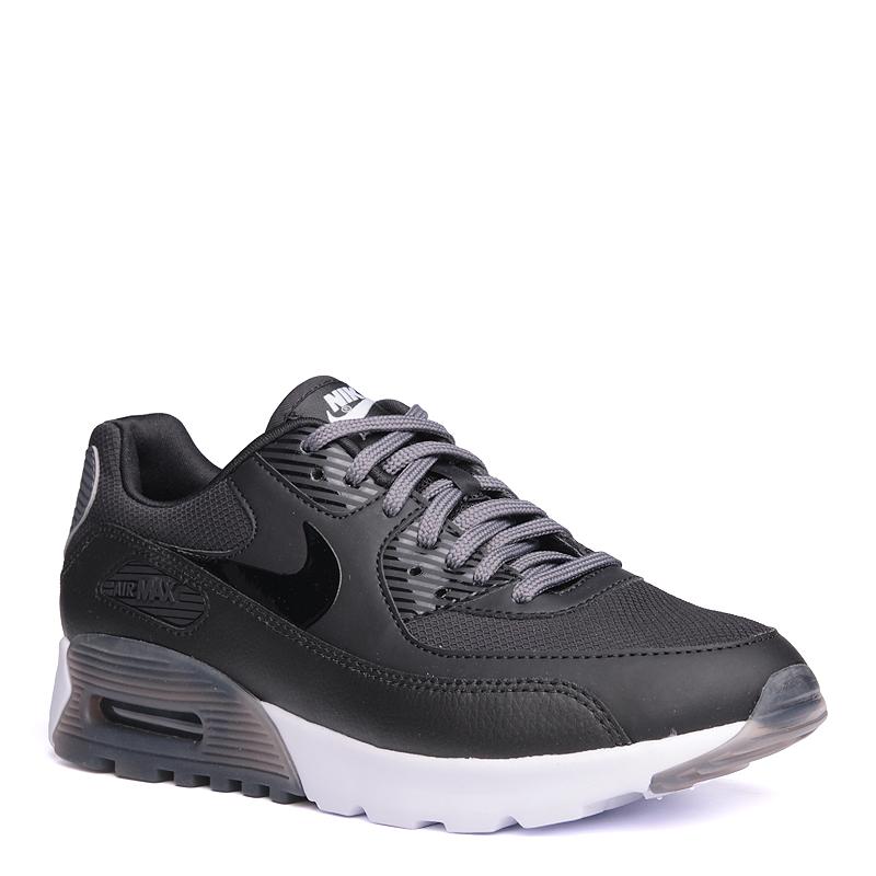 Кроссовки Nike Sportswear WMNS Air Max 90 Ultra EssintialКроссовки lifestyle<br>кожа,синтетика,текстиль,резина<br><br>Цвет: Черный,серый<br>Размеры US: 6;6.5;7;7.5;8;8.5<br>Пол: Женский
