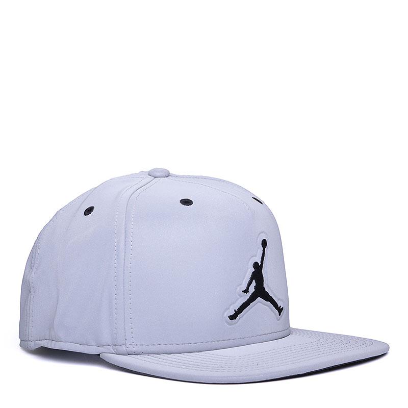 Кепка Jordan 5 Retro CapКепки<br>Нейлон, эластан, полиэстер, хлопок<br><br>Цвет: Серый<br>Размеры US: OS