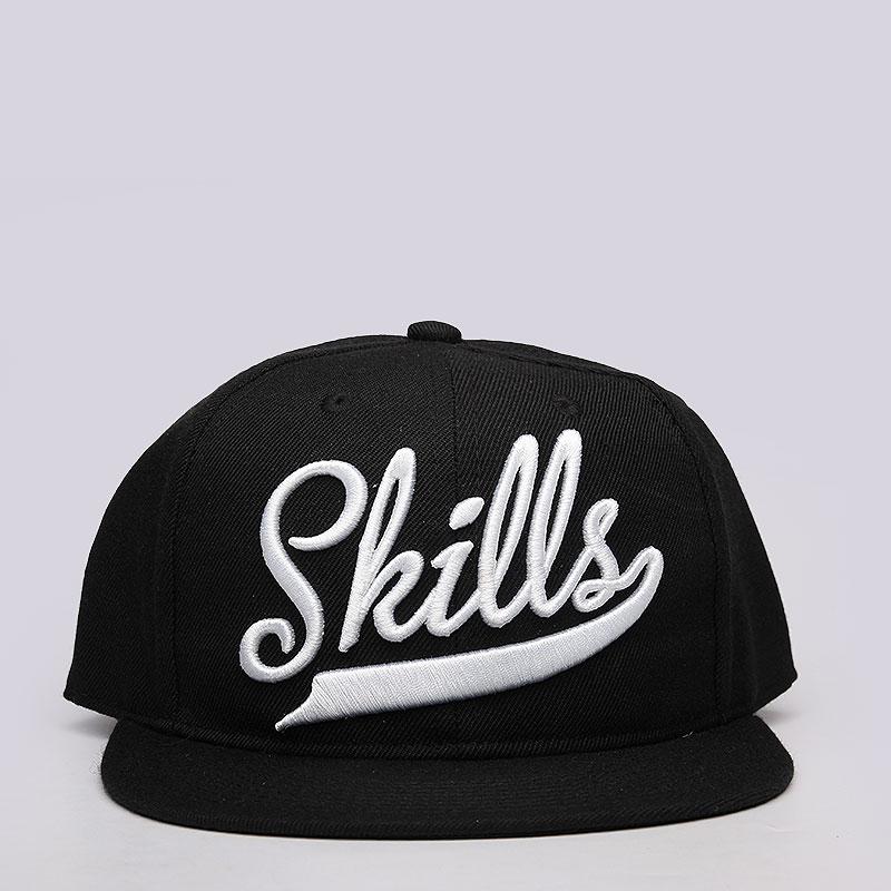 Кепка Skills Skills 01Кепки<br>акрил, шерсть.<br><br>Цвет: чёрный.<br>Размеры : OS