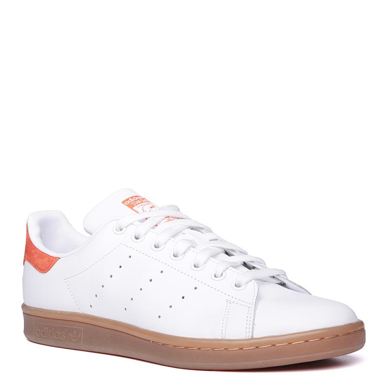 Кроссовки adidas Originals Stan SmithКроссовки lifestyle<br>кожа, текстиль, резина<br><br>Цвет: Белый<br>Размеры UK: 7.5;8.5<br>Пол: Мужской
