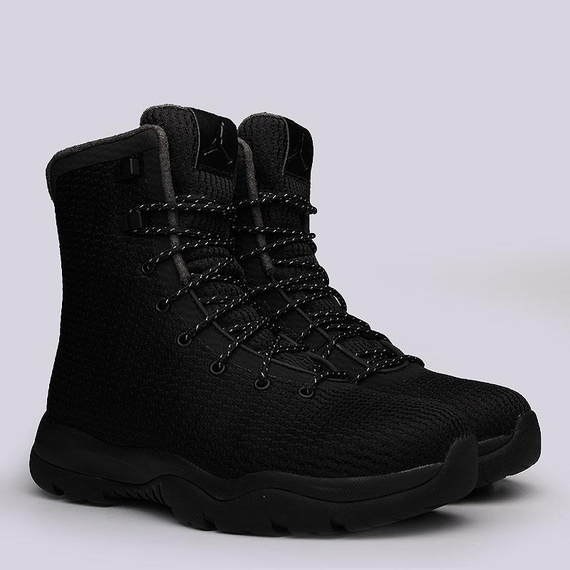 Кроссовки Jordan Future BootКроссовки lifestyle<br>Текстиль, синтетика, резина<br><br>Цвет: Чёрный<br>Размеры US: 8;8.5;12;12.5;13<br>Пол: Мужской