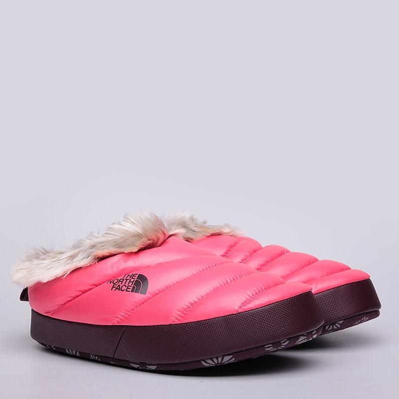 Тапочки The North Face Тапочки женскиеКроссовки lifestyle<br>Текстиль, синтетика, резина<br><br>Цвет: Розовый<br>Размеры US: M<br>Пол: Женский