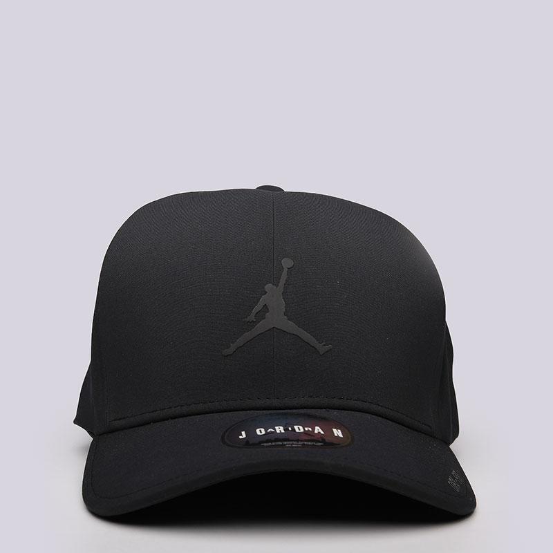 Кепка Jordan ClassicКепки<br>полиэстер, хлопок.<br><br>Цвет: Черный<br>Размеры US: M/L<br>Пол: Мужской