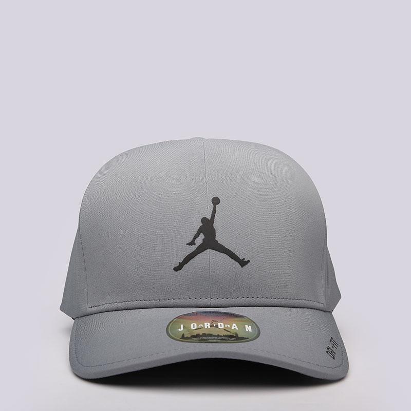 Кепка Jordan ClassicКепки<br>полиэстер, хлопок.<br><br>Цвет: Серый<br>Размеры US: L/XL;M/L<br>Пол: Мужской