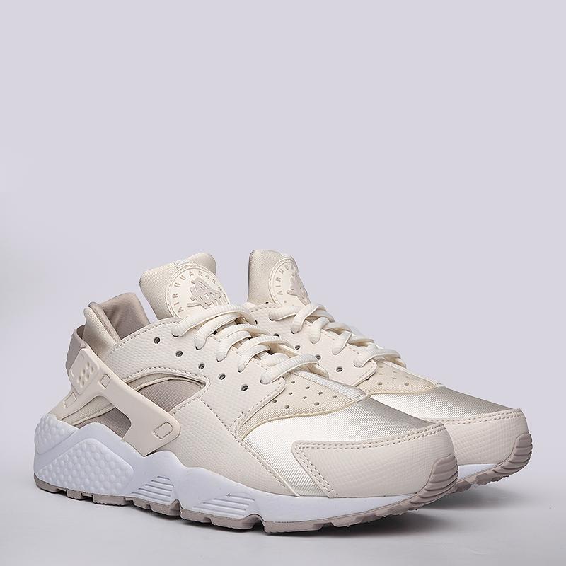 Кроссовки Nike sportswear WMNS Air Huarache RunКроссовки lifestyle<br>Текстиль, синтетика, резина<br><br>Цвет: Бежевый<br>Размеры US: 6;6.5;7;7.5;8;8.5<br>Пол: Женский