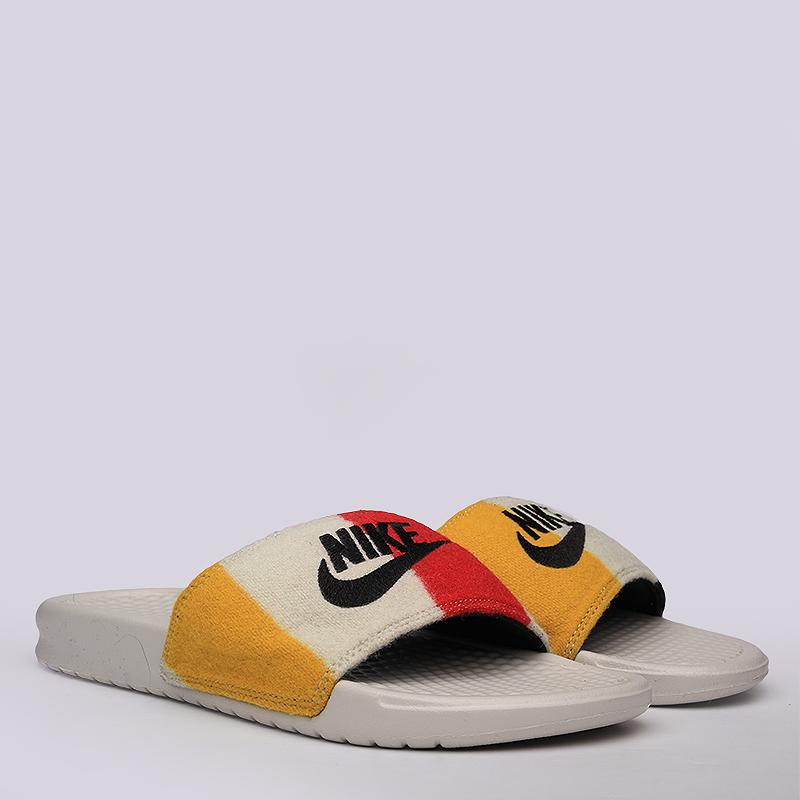 Шлёпанцы Nike sportswear Benassi JDI NP QSСланцы, балетки<br>Текстиль, синтетика, резина<br><br>Цвет: Белый<br>Размеры US: 10;11<br>Пол: Мужской