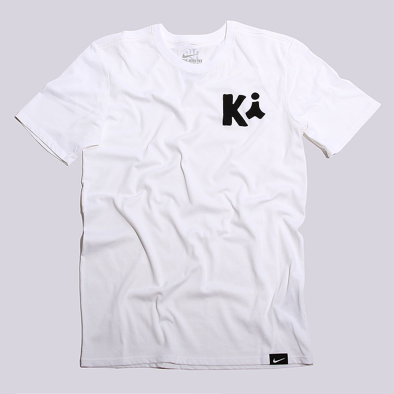 Футболка Nike Sportswear Kyrie ArtФутболки<br>58%хлопок, 42% полиэстер<br><br>Цвет: Белый<br>Размеры US: S;M;L<br>Пол: Мужской