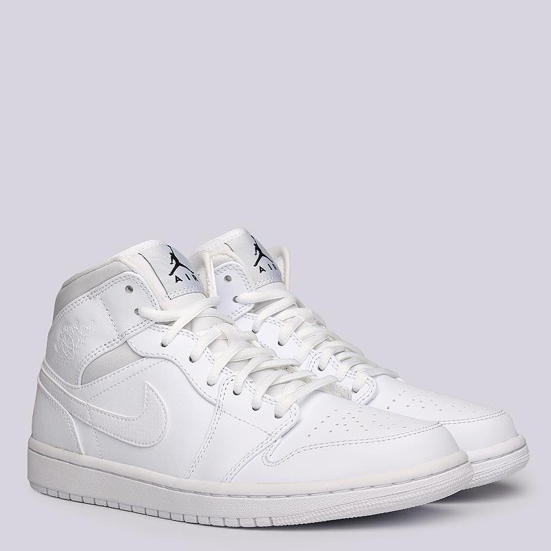 Кроссовки Jordan 1 MIDКроссовки lifestyle<br>Кожа, текстиль, резина<br><br>Цвет: Белый<br>Размеры US: 11<br>Пол: Мужской
