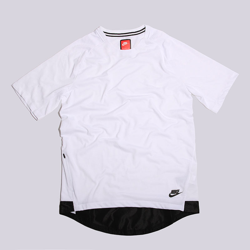 Футболка Nike sportswear BND Top SS KNTФутболки<br>76% полиэстер, 24% хлопок<br><br>Цвет: Белый<br>Размеры US: S;M;L;XL<br>Пол: Мужской