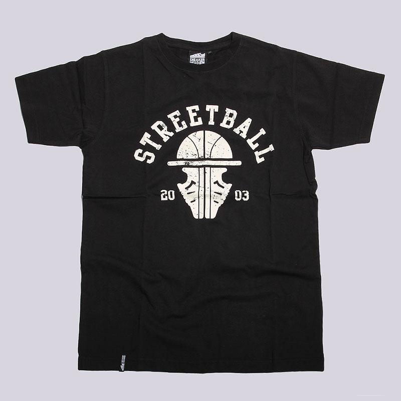 Футболка Sneakerhead Streetball CollegeФутболки<br>Хлопок<br><br>Цвет: Черный<br>Размеры : S<br>Пол: Мужской