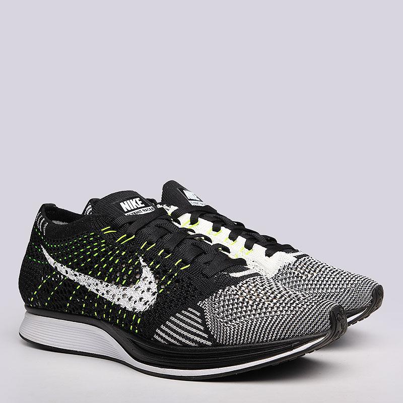 Кроссовки Nike Sportswear Flyknit RacerКроссовки lifestyle<br>Текстиль, резина<br><br>Цвет: Черный, белый<br>Размеры US: 6;6.5;9;9.5;10;10.5<br>Пол: Мужской