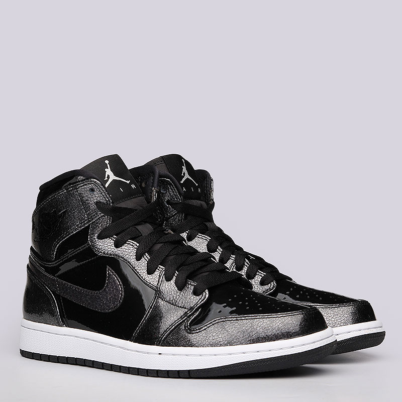 Кроссовки Nike Sportswear 1 Retro HighКроссовки lifestyle<br>Кожа, синтетика, резина<br><br>Цвет: Черный<br>Размеры US: 7.5<br>Пол: Мужской