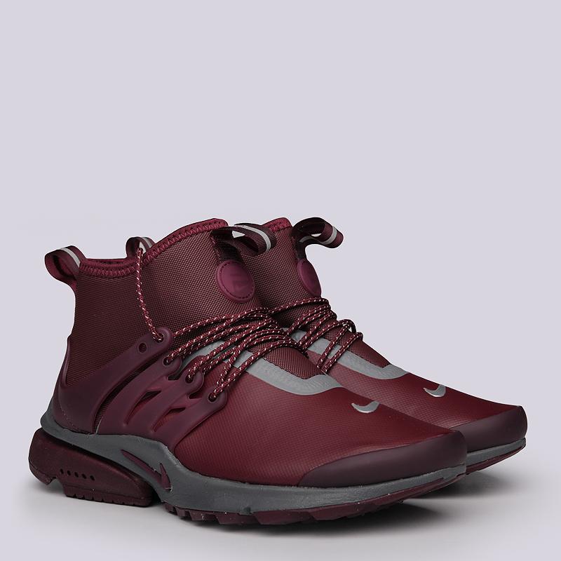 Кроссовки Nike Sportswear WMNS Air Presto MID UtilityКроссовки lifestyle<br>Текстиль, синтетика, резина<br><br>Цвет: Бордовый<br>Размеры US: 5<br>Пол: Женский