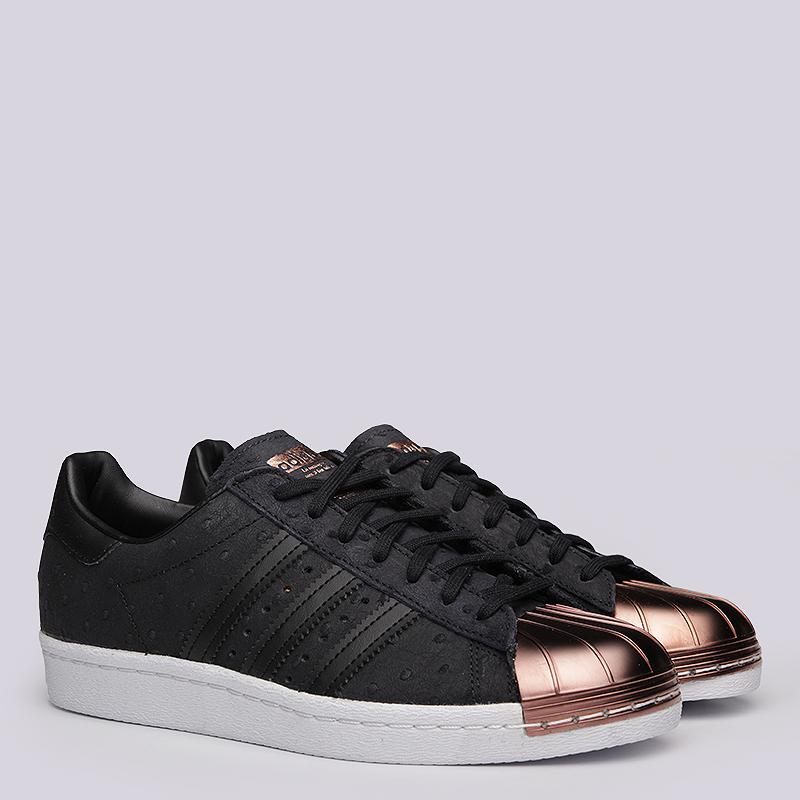 Кроссовки  adidas Originals Superstar 80S Metal Toe WКроссовки lifestyle<br>Кожа, текстиль, резина, металл<br><br>Цвет: Чёрный<br>Размеры UK: 5;5.5;6.5;7;7.5;8;8.5<br>Пол: Женский