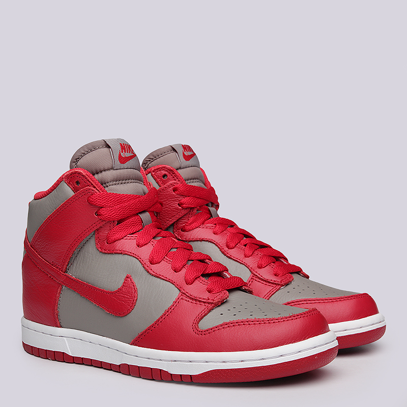 Кроссовки  Nike Sportswear WMNS Dunk RetroКроссовки lifestyle<br>кожа,текстиль, резина<br><br>Цвет: Красный, серый<br>Размеры US: 6<br>Пол: Женский