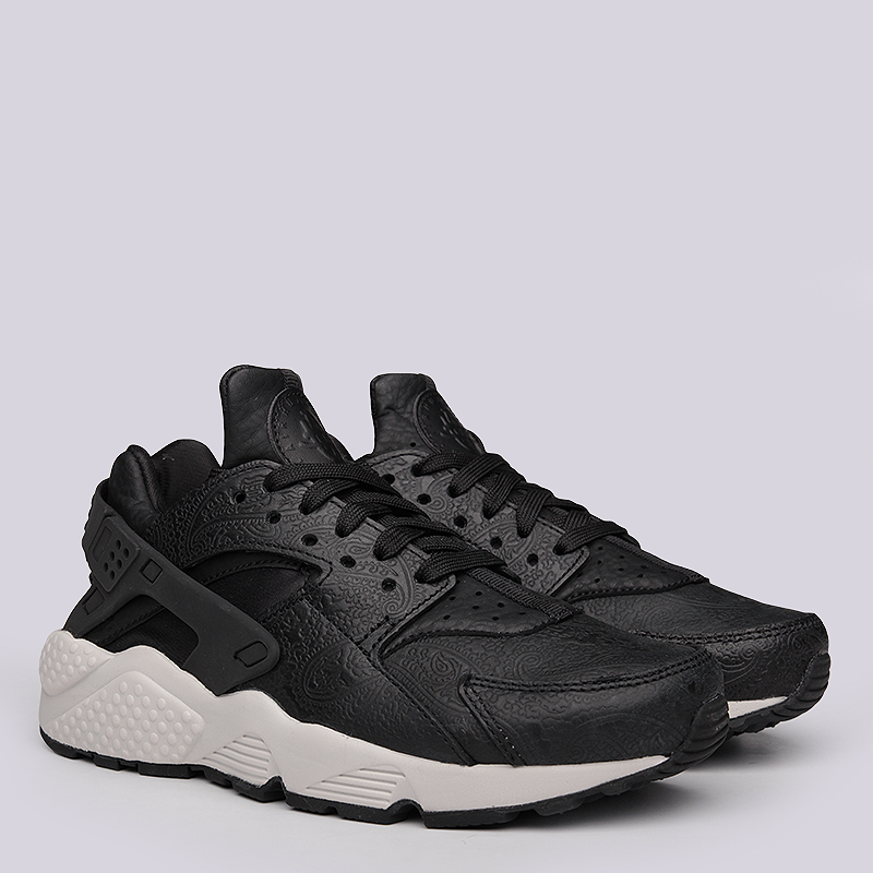 Кроссовки Nike Sportswear WMNS Air Huarache Run PRMКроссовки lifestyle<br>Кожа, текстиль, резина<br><br>Цвет: Черный<br>Размеры US: 6;6.5;7;7.5<br>Пол: Женский