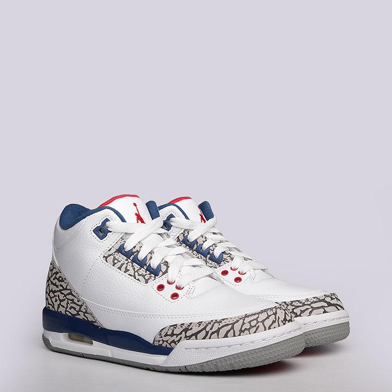 Кроссовки Jordan III Retro OG BGКроссовки lifestyle<br>Кожа, синтетика, текстиль, резина<br><br>Цвет: Белый, синий, красный<br>Размеры US: 3.5Y;4Y;4.5Y;5Y;5.5Y;6.5Y