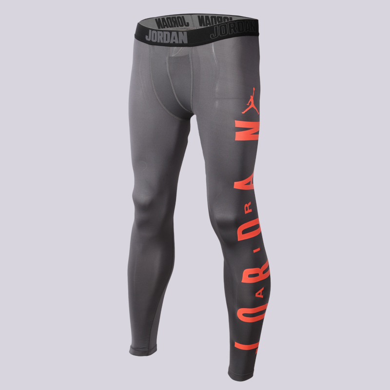Брюки Jordan Classic AJ Comp TightКомпрессионное белье<br>Полиэстер, эластан<br><br>Цвет: Серый<br>Размеры US: S;M;XL<br>Пол: Мужской
