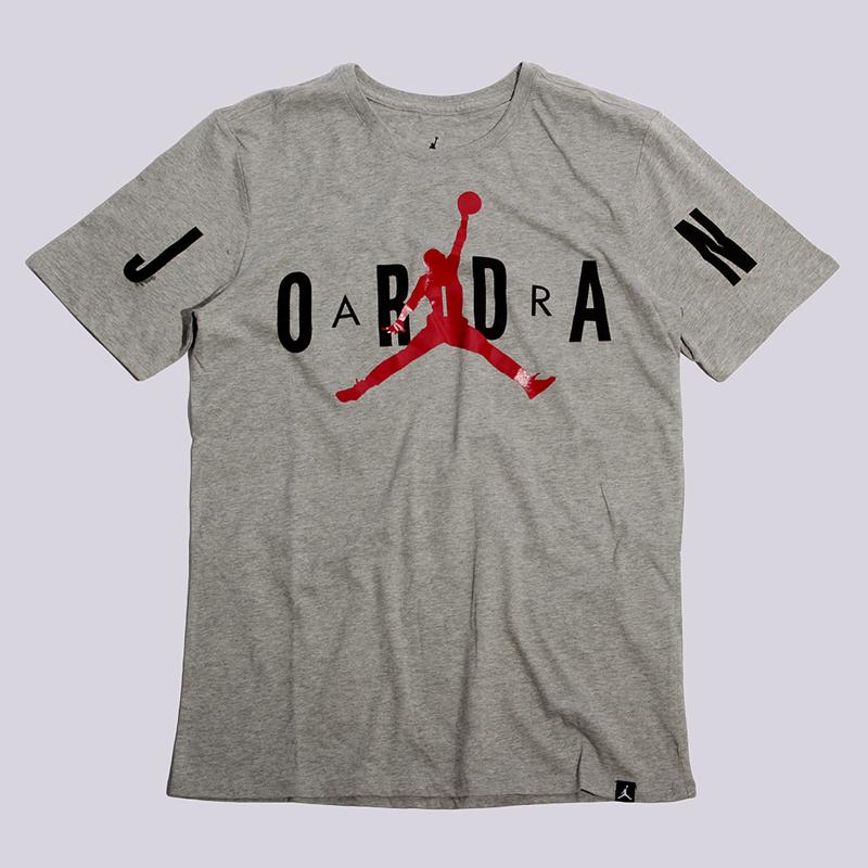Футболка Jordan Stretched TeeФутболки<br>100% хлопок<br><br>Цвет: Серый<br>Размеры US: S;M;L;2XL<br>Пол: Мужской