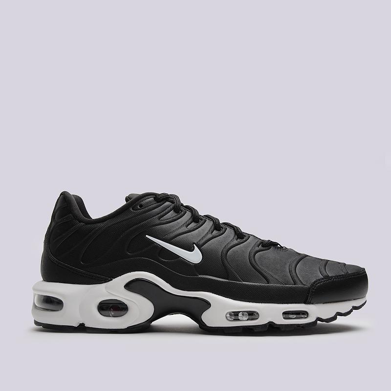 Кроссовки Nike Sportswear Air Max Plus VTКроссовки lifestyle<br>синтетика, текстиль, резина<br><br>Цвет: Черный<br>Размеры US: 8;8.5;10.5;11;11.5;12.5;15<br>Пол: Мужской