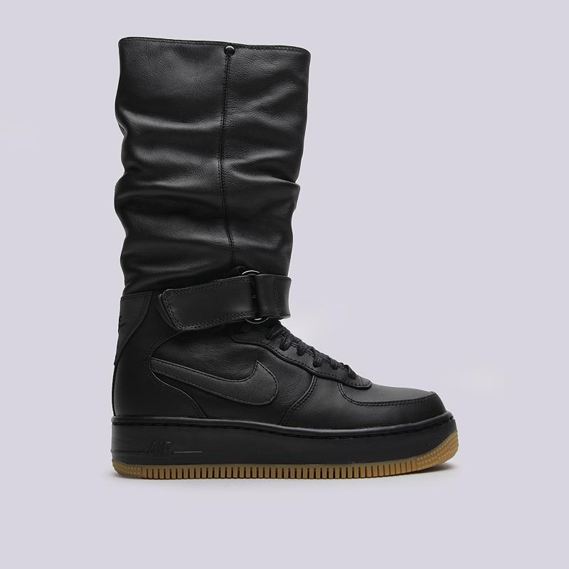 Сапоги Nike Sportswear WMNS AF 1 Upstep WarriorБотинки<br>кожа, текстиль, резина<br><br>Цвет: Черный<br>Размеры US: 6;6.5;7;7.5;8;8.5<br>Пол: Мужской